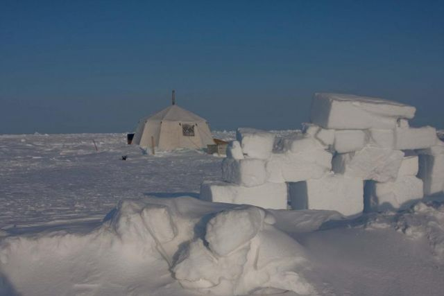 The picture shows the tent close to Ice Camp Barneo from which the microstructure profiler and the boundary layer turbulence instruments were deployed.
